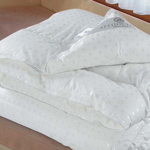Одеяло Лебяжий пух Premium, размер Детское (110х140 см)Одеяла<br>Длина : 140 см <br>Ширина: 110 см <br>Чехол: Стеганый, с кантом <br>Плотность наполнителя: 350 г/кв. м<br><br>Тип: Одеяло<br>Размер: 110х140<br>Материал: Лебяжий пух