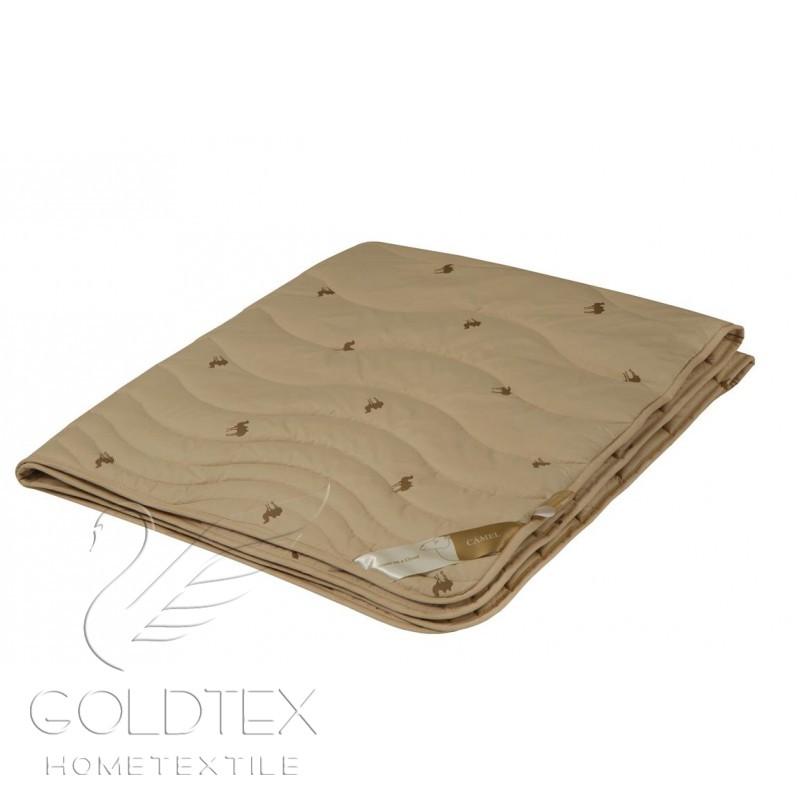 Одеяло Золотой верблюд, размер Евро (200х220 см)Одеяла<br>Длина: 220 см <br>Ширина: 200 см <br>Чехол: Стеганый, с окаймляющей лентой <br>Плотность наполнителя: 300 г/кв. м<br><br>Тип: Одеяло<br>Размер: 200х220<br>Материал: Верблюжья шерсть