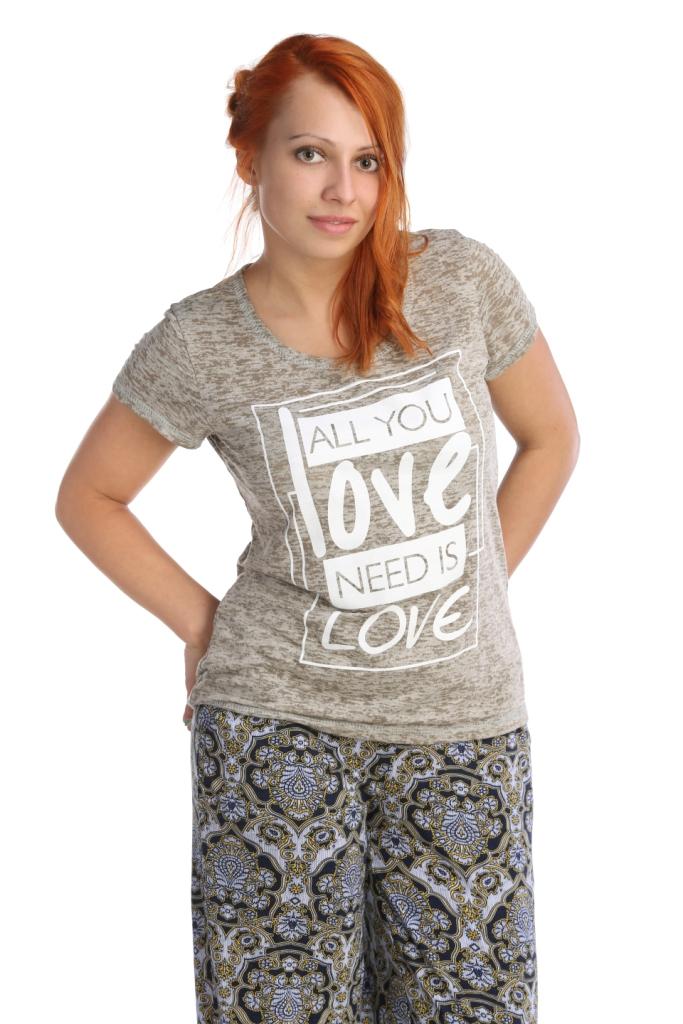 Жен. футболка арт. 16-0026 Хаки р. 44Майки и футболки<br>Обхват груди: 88 см <br>Обхват талии: 69 см <br>Обхват бедер: 96 см <br>Длина по спинке: 64 см <br>Рост: 164-170 см<br><br>Тип: Жен. футболка<br>Размер: 44<br>Материал: Деворе