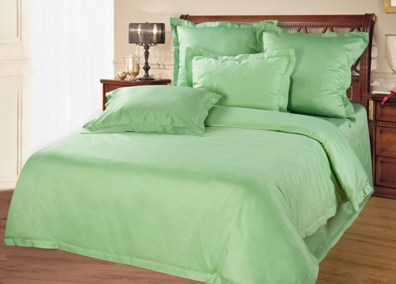Комплект Verde, размер 2,0-спальный с 4 наволочкамиБамбуковое волокно<br>Пододеяльник:220х175 см - 1 шт.<br>Простыня:220х240 см - 1 шт.<br>Наволочка:70х70 см - 2 шт. 50х70 см - 2 шт.<br><br>Тип: КПБ<br>Размер: 2,0-сп. 4 нав.<br>Материал: Бамбук