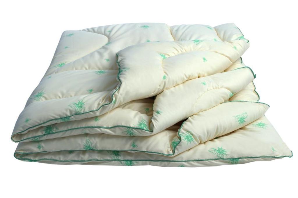 Одеяло Луговые травы Комфорт облегченное, размер Евро (200х220 см)Одеяла<br>Длина: 220 см <br>Ширина: 200 см <br>Чехол: Стеганый, с кантом <br>Плотность ткани: 85 г/кв. м <br>Плотность наполнителя: 150 г/кв. м<br><br>Тип: Одеяло<br>Размер: 200х220<br>Материал: Саше из трав