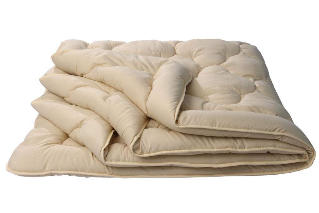Одеяло Караван Комфорт, размер Евро (200х220 см)Одеяла<br>Длина: 220 см <br>Ширина: 200 см <br>Чехол: Стеганое, с окаймляющей лентой <br>Плотность ткани: 85 г/кв. м <br>Плотность наполнителя: 300 г/кв. м<br><br>Тип: Одеяло<br>Размер: 200х220<br>Материал: Верблюжья шерсть