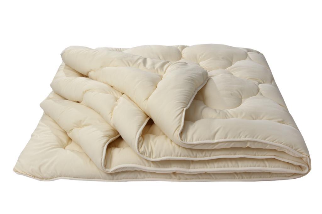Одеяло Золотое руно Комфорт, размер Евро (200х220 см)Одеяла<br>Длина:220 см<br>Ширина:200 см<br>Чехол:Стеганый, с окаймляющей лентой<br>Плотность ткани:85 г/кв. м<br>Плотность наполнителя:300 г/кв. м<br><br>Тип: Одеяло<br>Размер: 200х220<br>Материал: Овечья шерсть