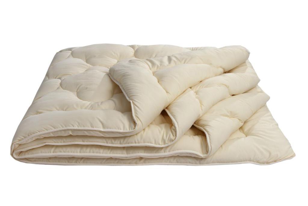 Одеяло Золотое руно Комфорт облегченное, размер 1,5 спальное (140х205 см)Одеяла<br>Длина:205 см<br>Ширина:140 см<br>Чехол:Стеганый, с окаймляющей лентой<br>Плотность ткани:85 г/кв. м<br>Плотность наполнителя:150 г/кв. м<br><br>Тип: Одеяло<br>Размер: 140х205<br>Материал: Овечья шерсть