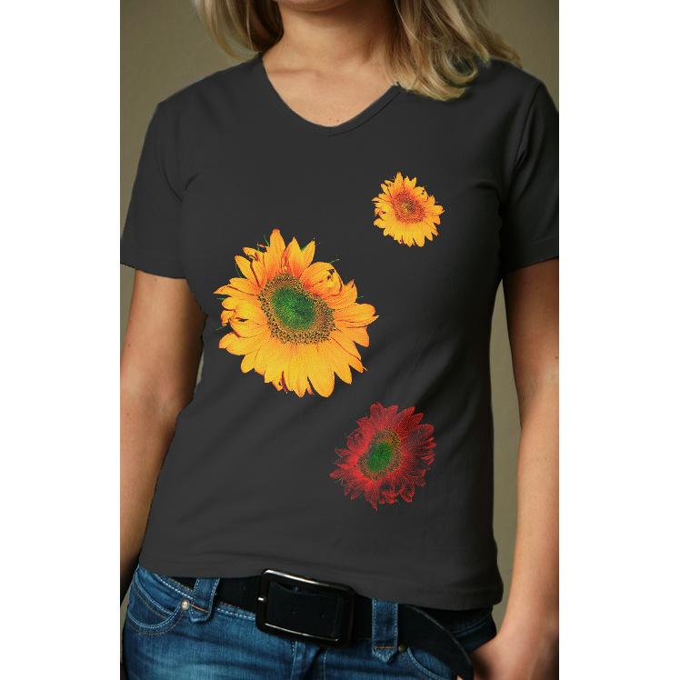 Женская футболка Подсолнухи, размер MБлузки, майки, кофты<br>Обхват груди:88-92 см<br>Обхват талии:69-73 см<br>Обхват бедер:96-100 см<br>Рост:164-170 см<br><br>Тип: Жен. футболка<br>Размер: M<br>Материал: Кулирка