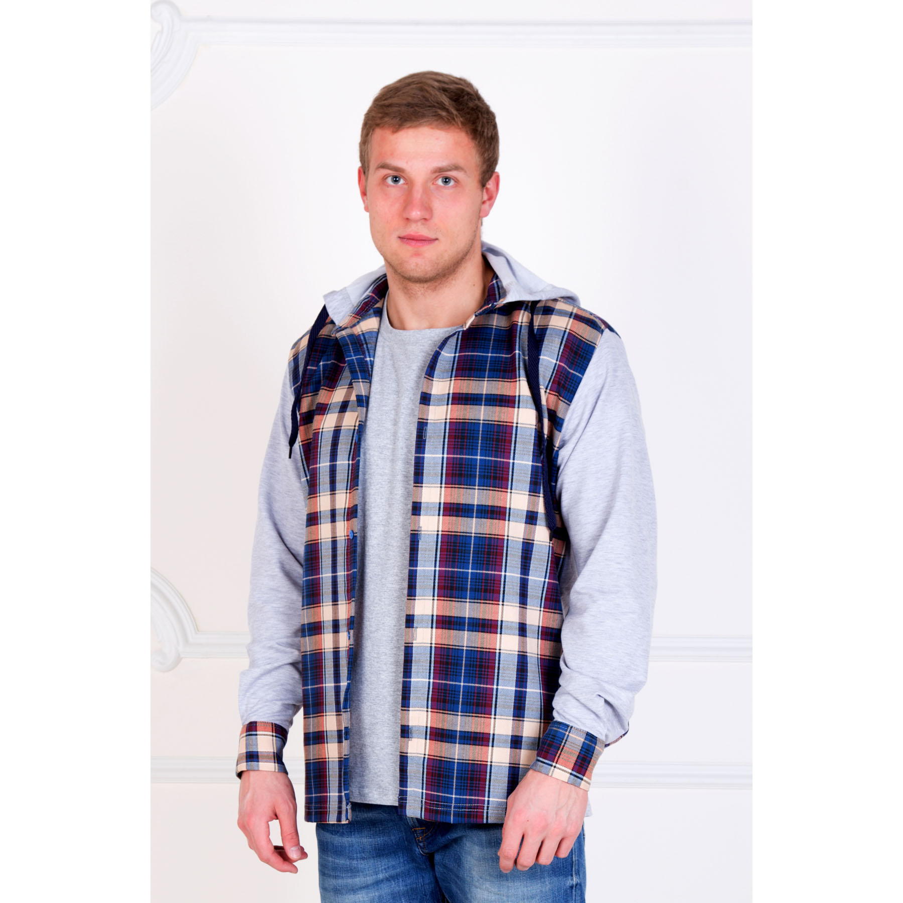 Мужская рубашка «Адриан» , размер 42Рубашки<br>Обхват груди:84 см<br>Обхват талии:84 см<br>Обхват бедер:88 см<br>Рост:170-176 см<br><br>Тип: Муж. рубашка<br>Размер: 42<br>Материал: Шотландка