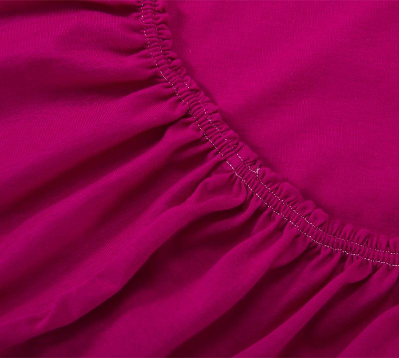 Простыня на резинке Бордовый, размер 160х200 смПростыни<br>Плотность ткани: 120 г/кв. м <br>Высота матраса: 20 см<br><br>Тип: Простыня на резинке<br>Размер: 160х200<br>Материал: Кулирка