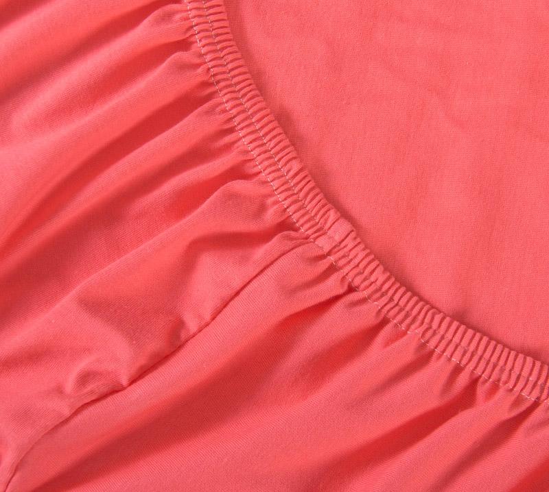 Простыня на резинке Коралловый, размер 160х200 смПростыни<br>Плотность ткани: 120 г/кв. м <br>Высота матраса: 20 см<br><br>Тип: Простыня на резинке<br>Размер: 160х200<br>Материал: Кулирка