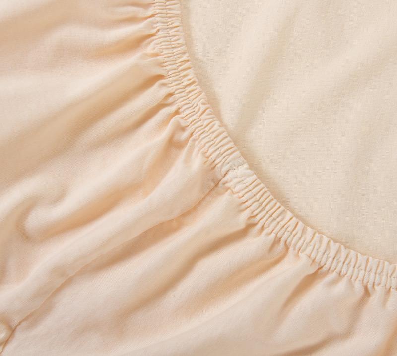 Простыня на резинке Кремовый, размер 120х200 смПростыни<br>Плотность ткани:120 г/кв. м<br>Высота матраса:20 см<br><br>Тип: Простыня<br>Размер: 120х200<br>Материал: Кулирка