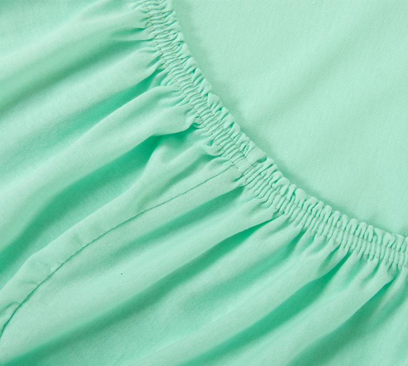 Простыня на резинке Мятный, размер 90х200 смПростыни<br>Плотность ткани: 120 г/кв. м <br>Высота матраса: 20 см<br><br>Тип: Простыня на резинке<br>Размер: 90х200<br>Материал: Кулирка