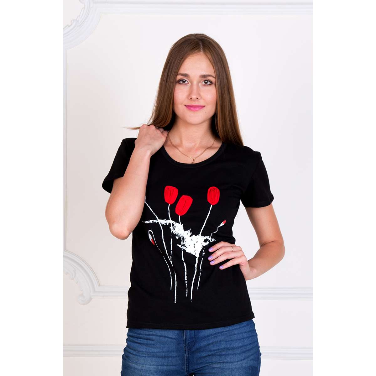 Женская футболка Маки, размер 46Майки и футболки<br>Обхват груди: 92 см <br>Обхват талии: 74 см <br>Обхват бедер: 100 см <br>Рост: 167 см<br><br>Тип: Жен. футболка<br>Размер: 46<br>Материал: Кулирка
