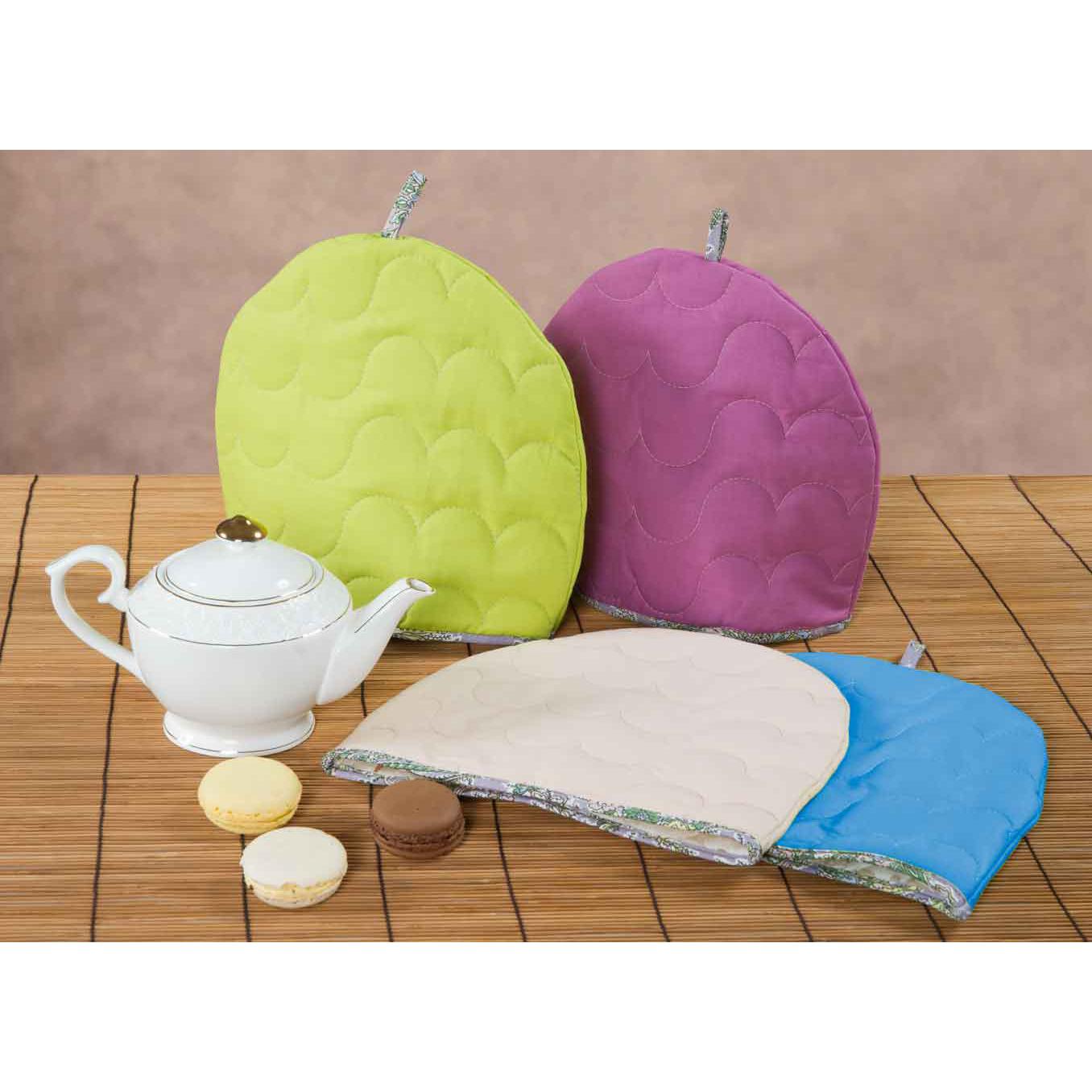 Грелка на чайник Rainbow, цвет ЛаймКухонные принадлежности<br>Основная ткань:100% хлопок, поплин<br>Плотность ткани:118 г/кв. м<br>Ткань отделки:100% хлопок, бязь<br>Плотность ткани:125 г/кв. м<br>Наполнитель:100% полиэстер<br><br>Тип: Кухонные принадлежности<br>Размер: -<br>Материал: Поплин