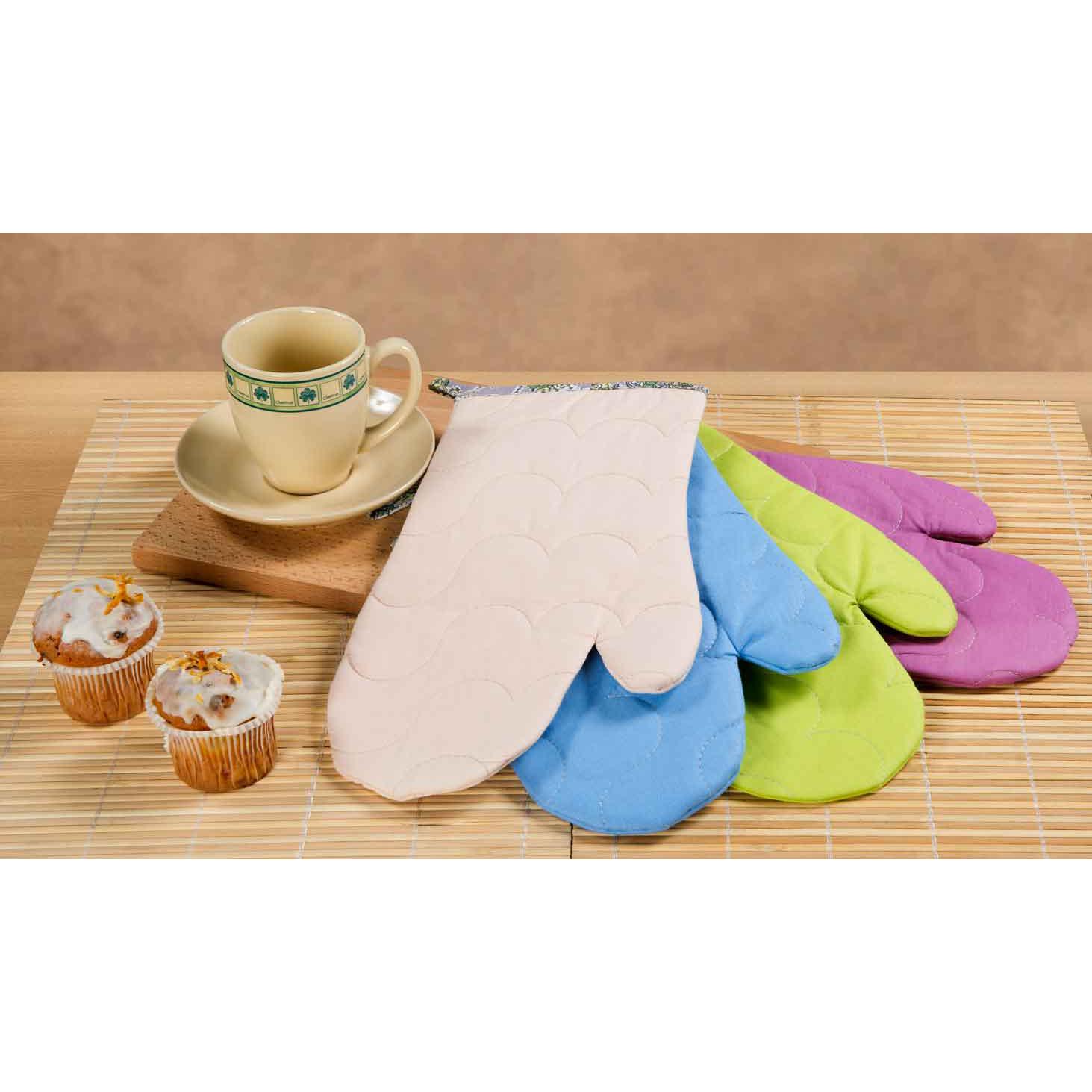 Рукавичка Rainbow, цвет КремовыйКухонные принадлежности<br>Основная ткань: 100% хлопок, поплин <br>Плотность ткани: 118 г/кв. м <br>Ткань отделки: 100% хлопок, бязь <br>Плотность ткани: 125 г/кв. м <br>Наполнитель: 100% полиэстер<br><br>Тип: Кухонные принадлежности<br>Размер: -<br>Материал: Поплин