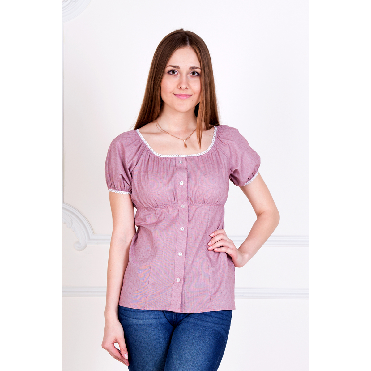Женская рубашка Лада, размер 52Рубашки<br>Обхват груди:104 см<br>Обхват талии:85 см<br>Обхват бедер:112 см<br>Рост:167 см<br><br>Тип: Жен. рубашка<br>Размер: 52<br>Материал: Хлопок