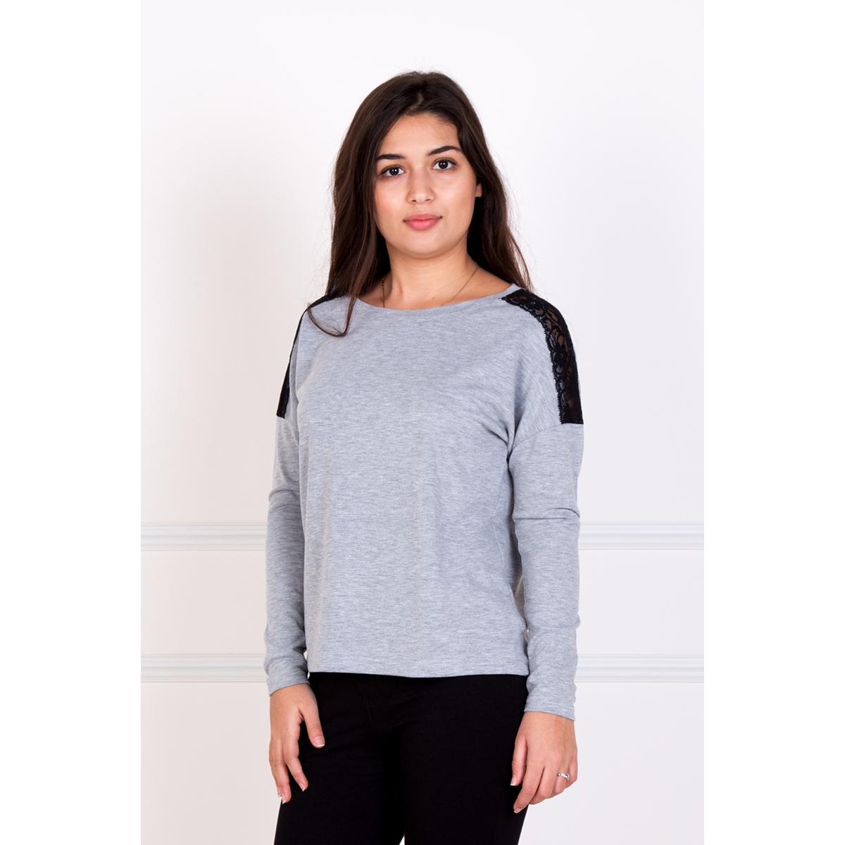 Женская блуза Рива, размер 52Блузки, майки, кофты<br>Обхват груди:104 см<br>Обхват талии:85 см<br>Обхват бедер:112 см<br>Рост:167 см<br><br>Тип: Жен. блуза<br>Размер: 52<br>Материал: Хамур