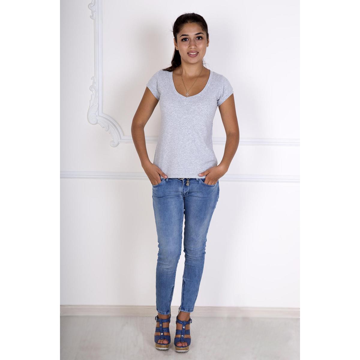 Женская футболка Лиза Серый, размер 46Блузки, майки, кофты<br>Обхват груди:92 см<br>Обхват талии:74 см<br>Обхват бедер:100 см<br>Длина по спинке:54 см<br>Рост:167 см<br><br>Тип: Жен. футболка<br>Размер: 46<br>Материал: Фулайкра