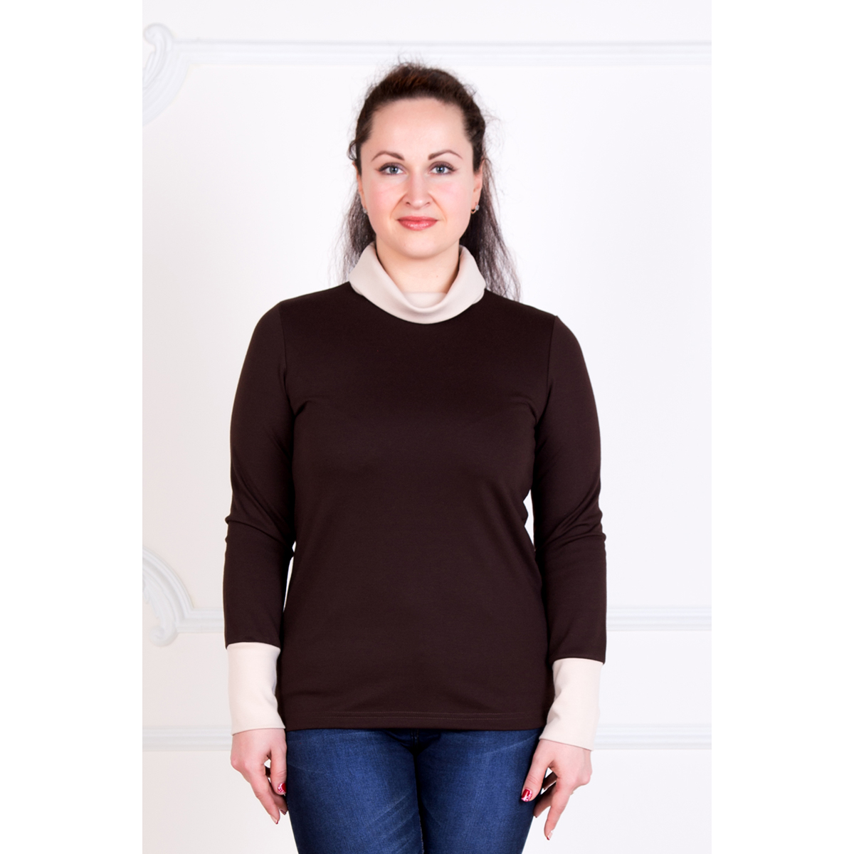 Женская блуза Стайл Темно-коричневый, размер 48Блузки, майки, кофты<br>Обхват груди:96 см<br>Обхват талии:78 см<br>Обхват бедер:104 см<br>Рост:167 см<br><br>Тип: Жен. блуза<br>Размер: 48<br>Материал: Милано