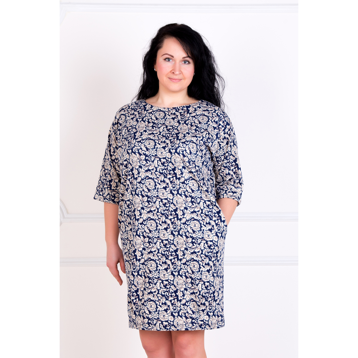 Женское платье Эдит, размер 44Платья<br>Обхват груди:88 см<br>Обхват талии:68 см<br>Обхват бедер:96 см<br>Рост:167 см<br><br>Тип: Жен. платье<br>Размер: 44<br>Материал: Милано