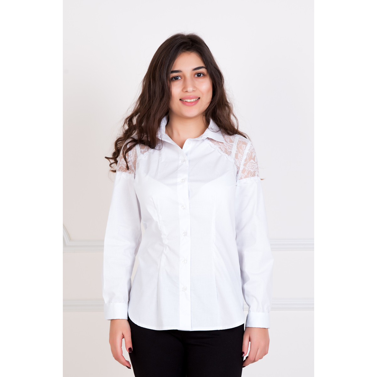 Женская рубашка Янь, размер 44Блузки, майки, кофты<br>Обхват груди:88 см<br>Обхват талии:68 см<br>Обхват бедер:96 см<br>Рост:167 см<br><br>Тип: Жен. рубашка<br>Размер: 44<br>Материал: Хлопок