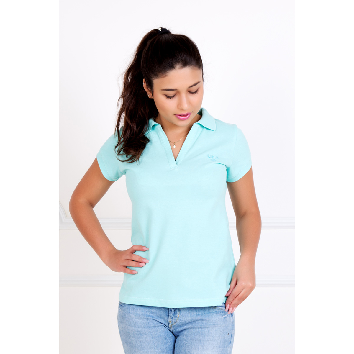 Женская футболка-поло Шерт Ментол, размер 48Блузки, майки, кофты<br>Обхват груди:96 см<br>Обхват талии:78 см<br>Обхват бедер:104 см<br>Рост:167 см<br><br>Тип: Жен. футболка<br>Размер: 48<br>Материал: Пике