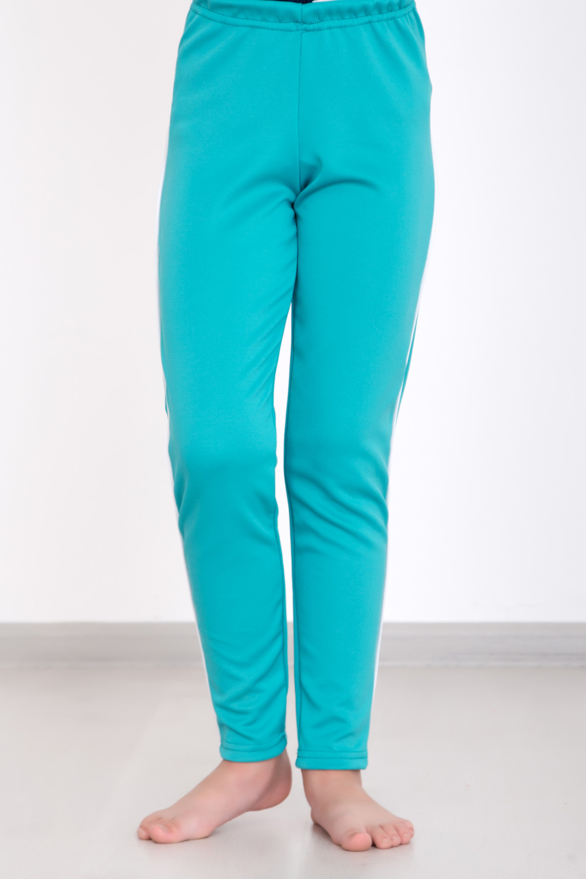 Дет. брюки Спорт Ментол р. 36Шорты, бриджи, брюки<br><br><br>Тип: Дет. брюки<br>Размер: 36<br>Материал: Полиэстер