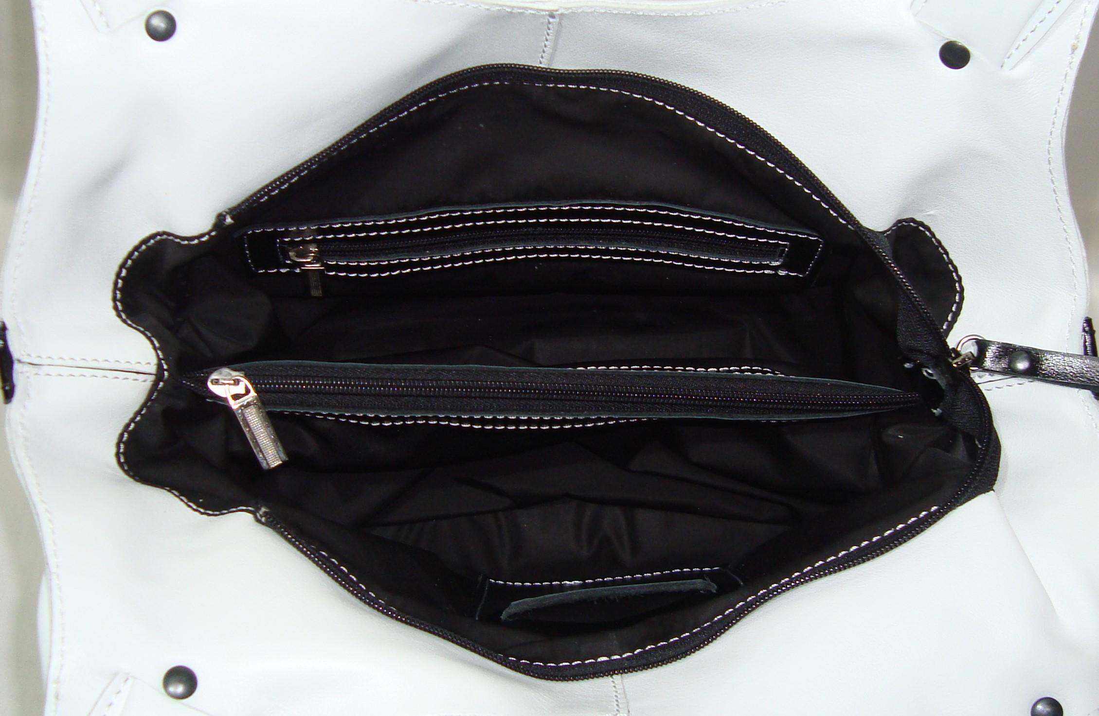 Сумка Модель № 36Сумки и др. изделия из кожи<br>Высота сумки:28 см<br>Высота до ручек:36см<br>Ширина сумки низ:38 см<br>Ширина сумки верх:36см<br>Ширина дна:11 см<br>Длинна дна:26см<br>Длинна ручек:62 см<br><br>Тип: Сумка<br>Размер: -<br>Материал: Натуральная кожа
