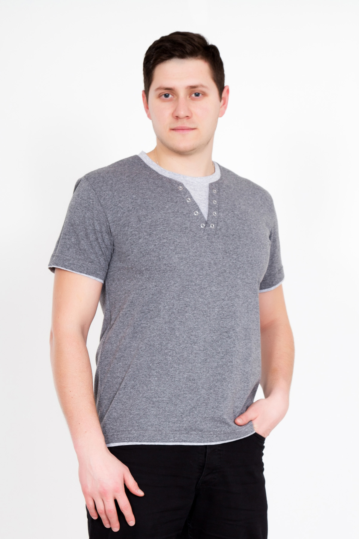 Муж. футболка Джон Серый р. 52Футболки и майки<br>Обхват груди:104 см<br>Обхват талии:96 см<br>Обхват бедер:108 см<br>Длина по спинке:70 см<br>Рост:176-182 см<br><br>Тип: Муж. футболка<br>Размер: 52<br>Материал: Кулирка