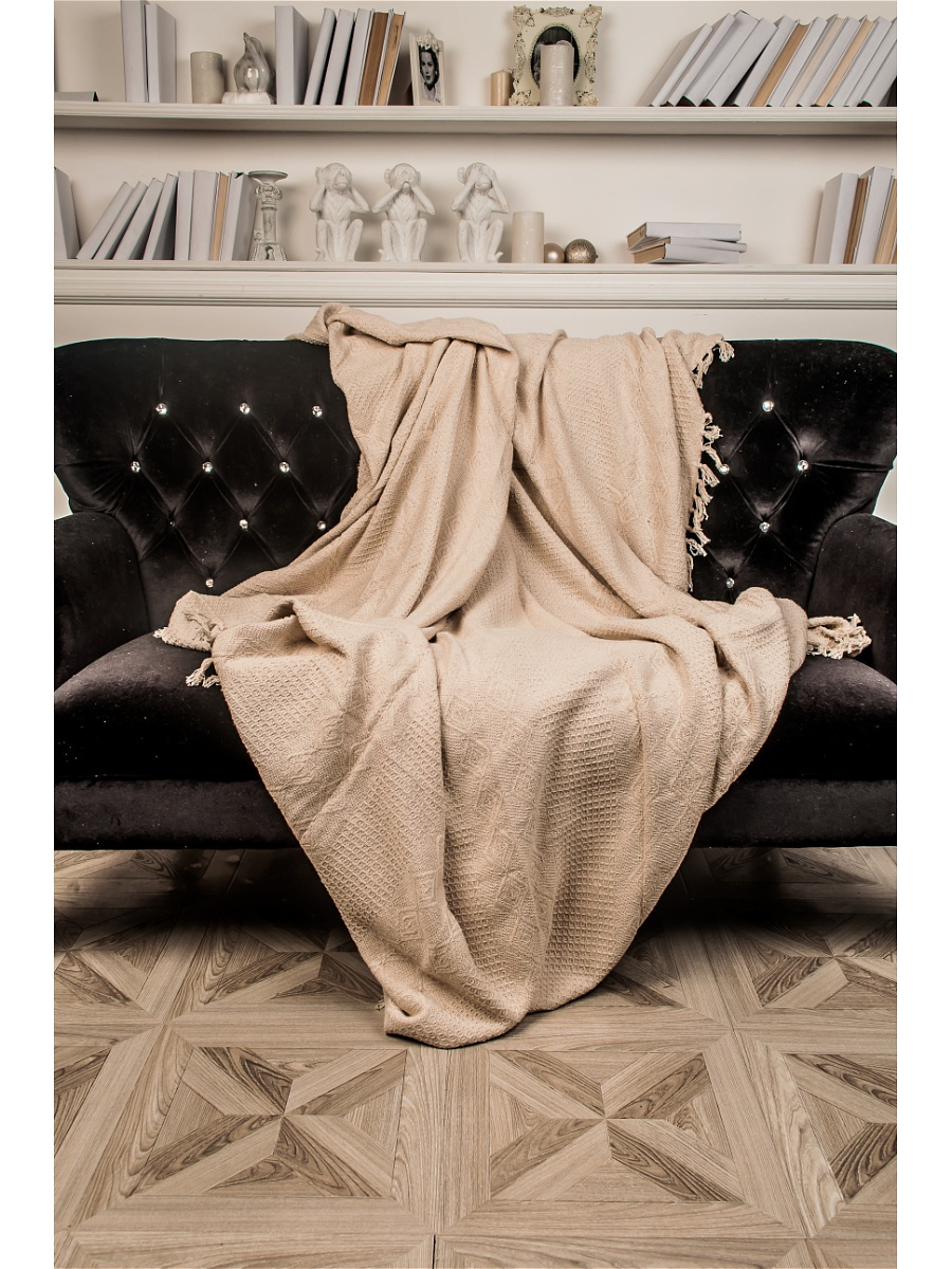 Плед Лотос Бежевый р. 160х220Покрывала<br>Плотность ткани:380 г/кв. м<br><br>Тип: Плед<br>Размер: 160х220<br>Материал: Вязаное полотно