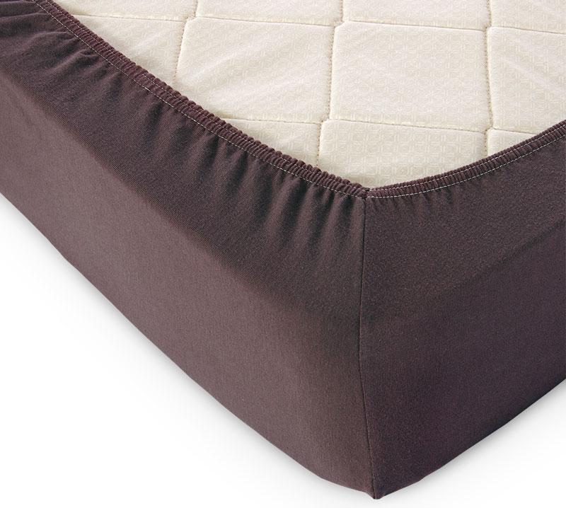 Простыня на резинке Шоколад р. 140х200Простыни<br>Плотность ткани: 120 г/кв. м <br>Высота матраса: 20 см<br><br>Тип: Простыня на резинке<br>Размер: 140х200<br>Материал: Кулирка