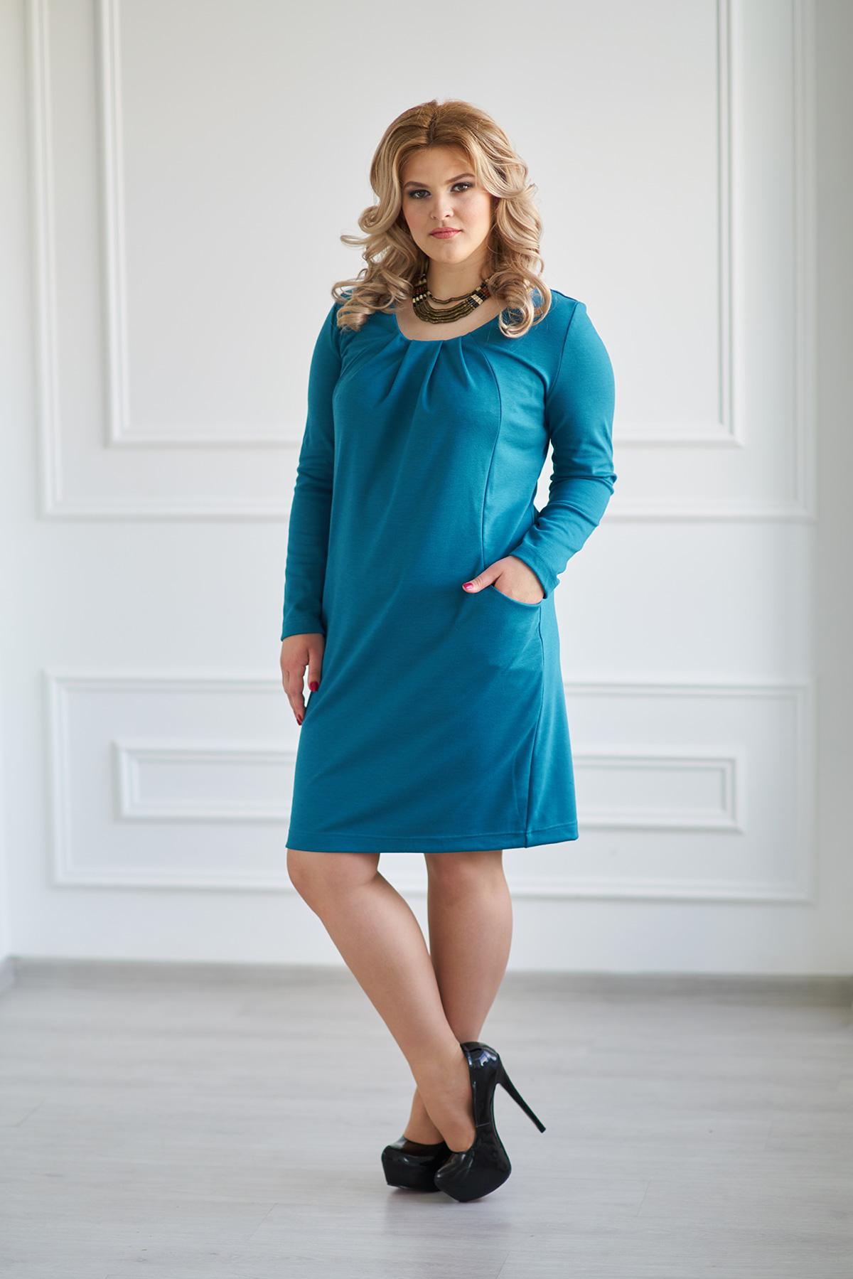 Жен. платье арт. 19-0005 Темно-изумрудный р. 48Платья<br>Факт. ОГ: 100 см <br>Факт. ОТ: 100 см <br>Факт. ОБ: 104 см <br>Длина рукава: 56 см <br>Длина по спинке: 93 см<br><br>Тип: Жен. платье<br>Размер: 48<br>Материал: Милано