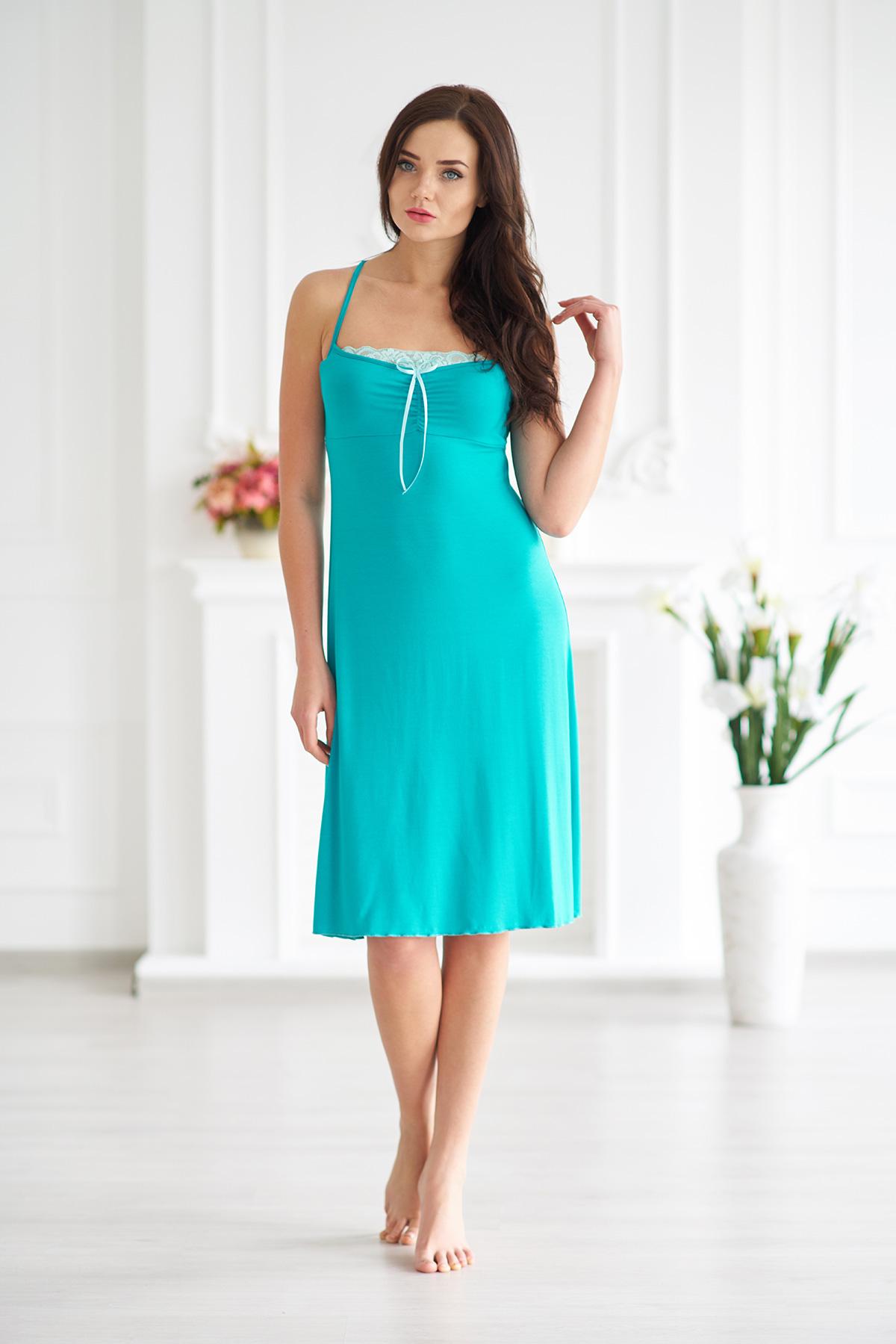 Жен. сорочка арт. 19-0019 Изумрудный р. 46Ночные сорочки<br>Факт. ОГ: 68 см <br>Факт. ОТ: 90 см <br>Факт. ОБ: 106 см <br>Длина по спинке: 78 см<br><br>Тип: Жен. сорочка<br>Размер: 46<br>Материал: Вискоза