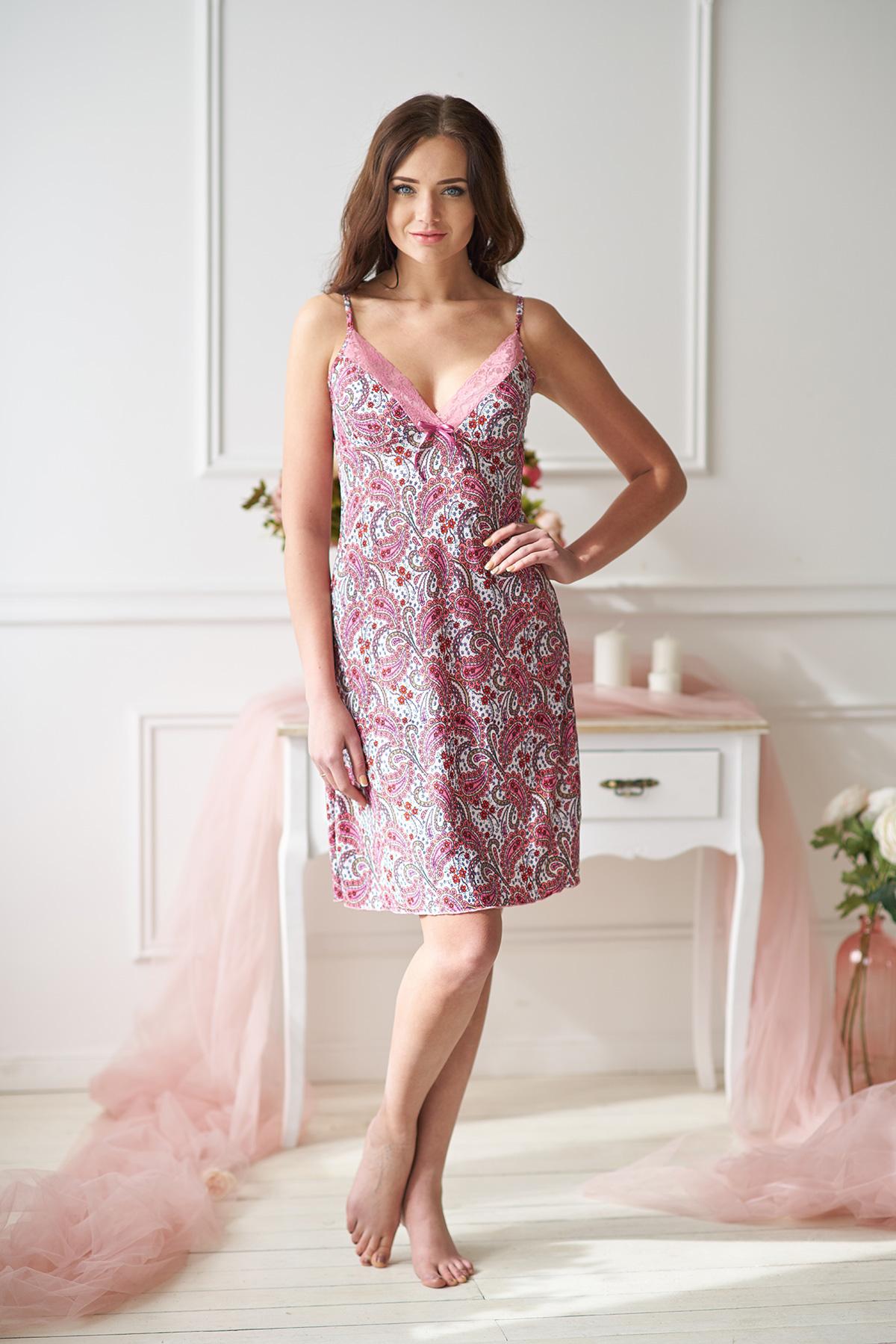 Жен. сорочка арт. 19-0014 Розовый р. 42Ночные сорочки<br>Факт. ОГ: 72 см <br>Факт. ОТ: 84 см <br>Факт. ОБ: 96 см <br>Длина по спинке: 74 см<br><br>Тип: Жен. сорочка<br>Размер: 42<br>Материал: Масло