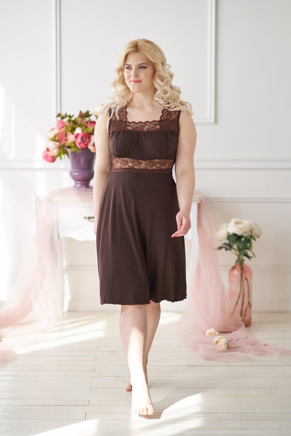 Жен. сорочка арт. 19-0021 Шоколадный р. 50Ночные сорочки<br>Факт. ОГ:76 см<br>Факт. ОТ:70 см<br>Факт. ОБ:100 см<br>Длина по спинке:97 см<br><br>Тип: Жен. сорочка<br>Размер: 50<br>Материал: Вискоза