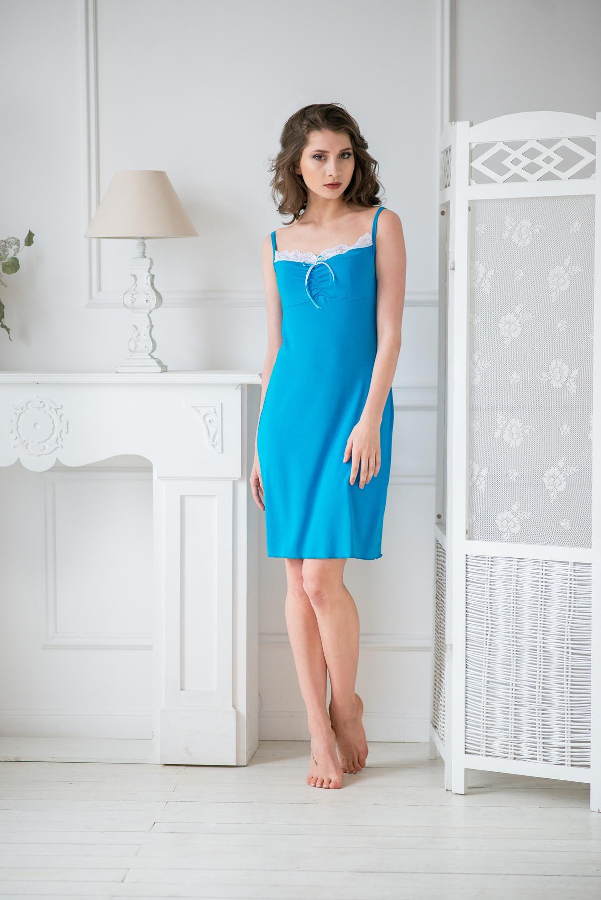 Жен. сорочка арт. 19-0022 Бирюзовый р. 44Ночные сорочки<br>Факт. ОГ: 72 см <br>Факт. ОТ: 82 см <br>Факт. ОБ: 90 см <br>Длина по спинке: 77 см<br><br>Тип: Жен. сорочка<br>Размер: 44<br>Материал: Вискоза