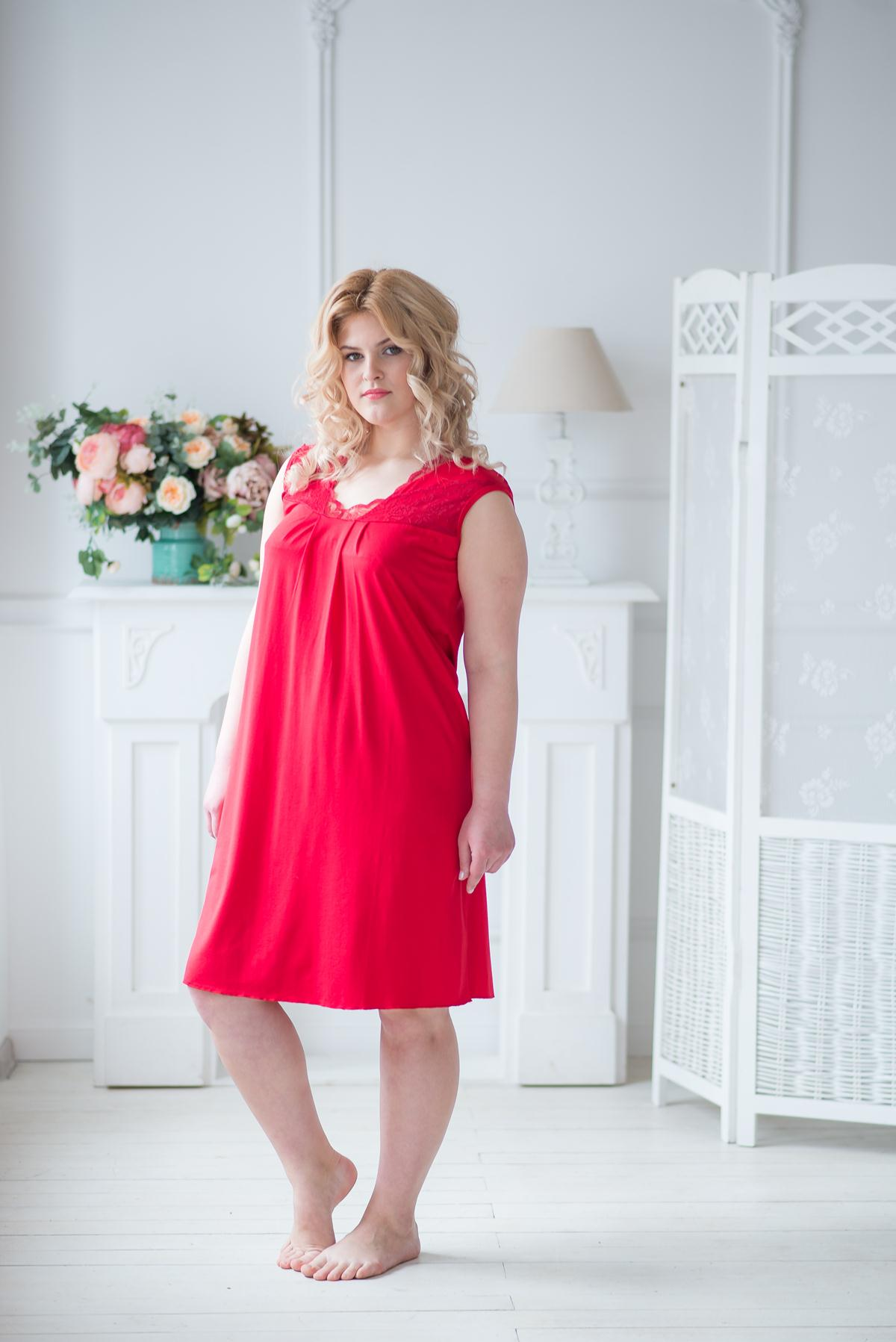 Жен. сорочка арт. 19-0041 Красный р. 56Ночные сорочки<br>Факт. ОГ: 112 см <br>Факт. ОТ: 120 см <br>Факт. ОБ: 124 см <br>Длина по спинке: 108 см<br><br>Тип: Жен. сорочка<br>Размер: 56<br>Материал: Вискоза