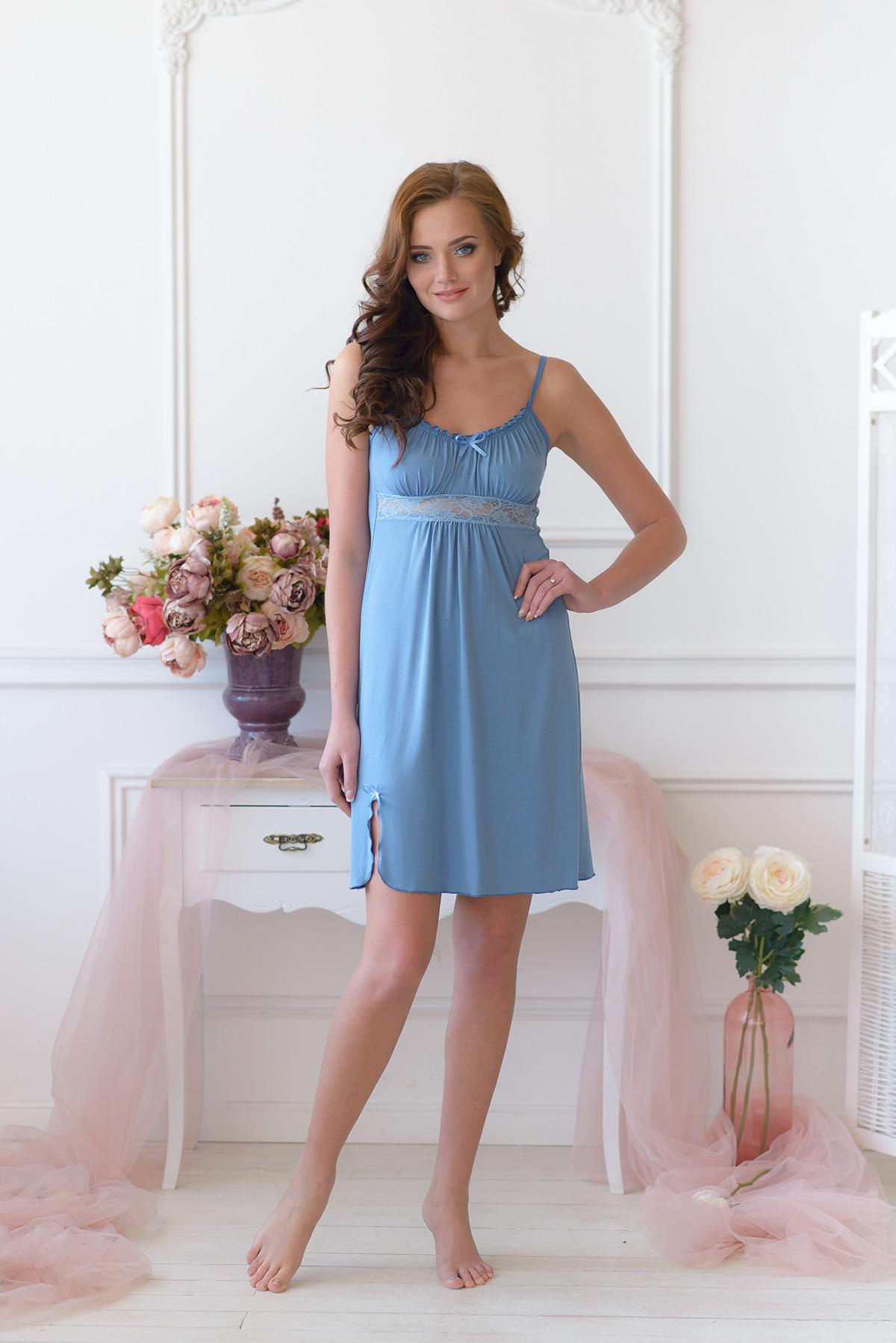 Жен. сорочка арт. 19-0017 Серо-голубой р. 48Ночные сорочки<br>Факт. ОГ: 68 см <br>Факт. ОТ: 100 см <br>Факт. ОБ: 108 см <br>Длина по спинке: 63 см<br><br>Тип: Жен. сорочка<br>Размер: 48<br>Материал: Вискоза