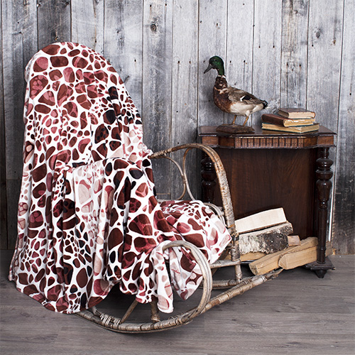 Плед Темный жираф р. 180х200Пледы<br>Плотность ткани: 260 г/кв. м<br><br>Тип: Плед<br>Размер: 180х200<br>Материал: Велсофт