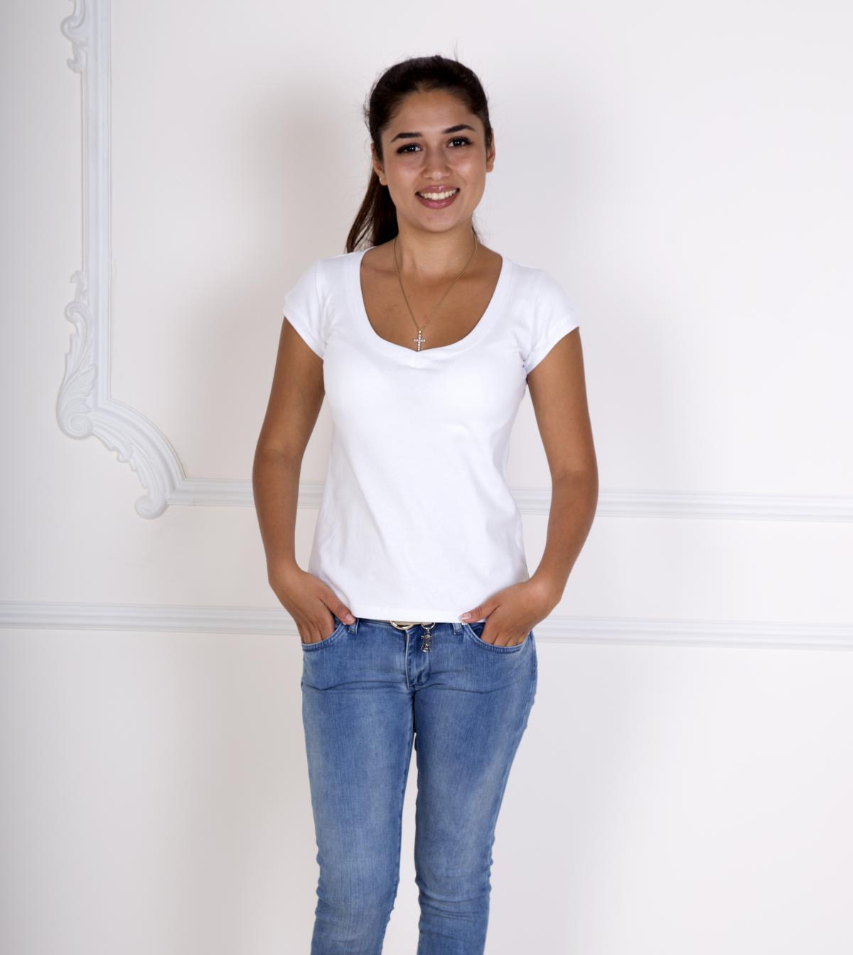 Жен. футболка Лиза Белый р. 50Майки и футболки<br>Факт. ОГ: 88 см <br>Факт. ОТ: 84 см <br>Факт. ОБ: 94 см <br>Длина по спинке: 62 см<br><br>Тип: Жен. футболка<br>Размер: 50<br>Материал: Фулайкра