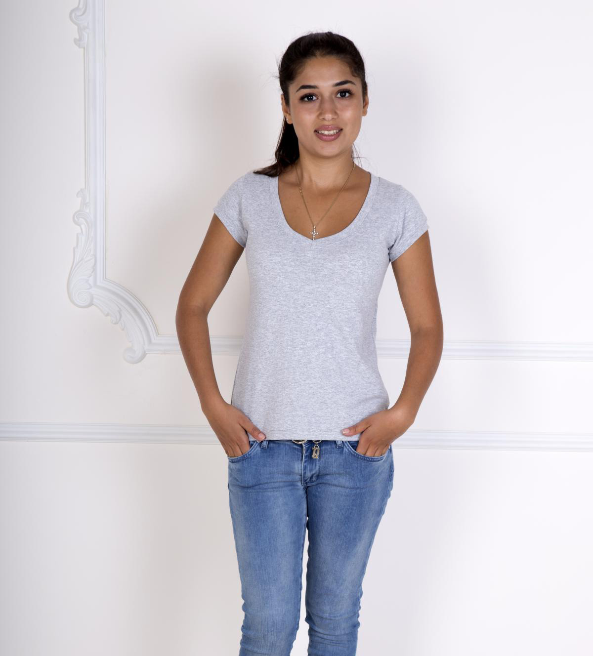 Жен. футболка Лиза Серый р. 52Майки и футболки<br>Факт. ОГ: 92 см <br>Факт. ОТ: 88 см <br>Факт. ОБ: 96 см <br>Длина по спинке: 62 см<br><br>Тип: Жен. футболка<br>Размер: 52<br>Материал: Фулайкра