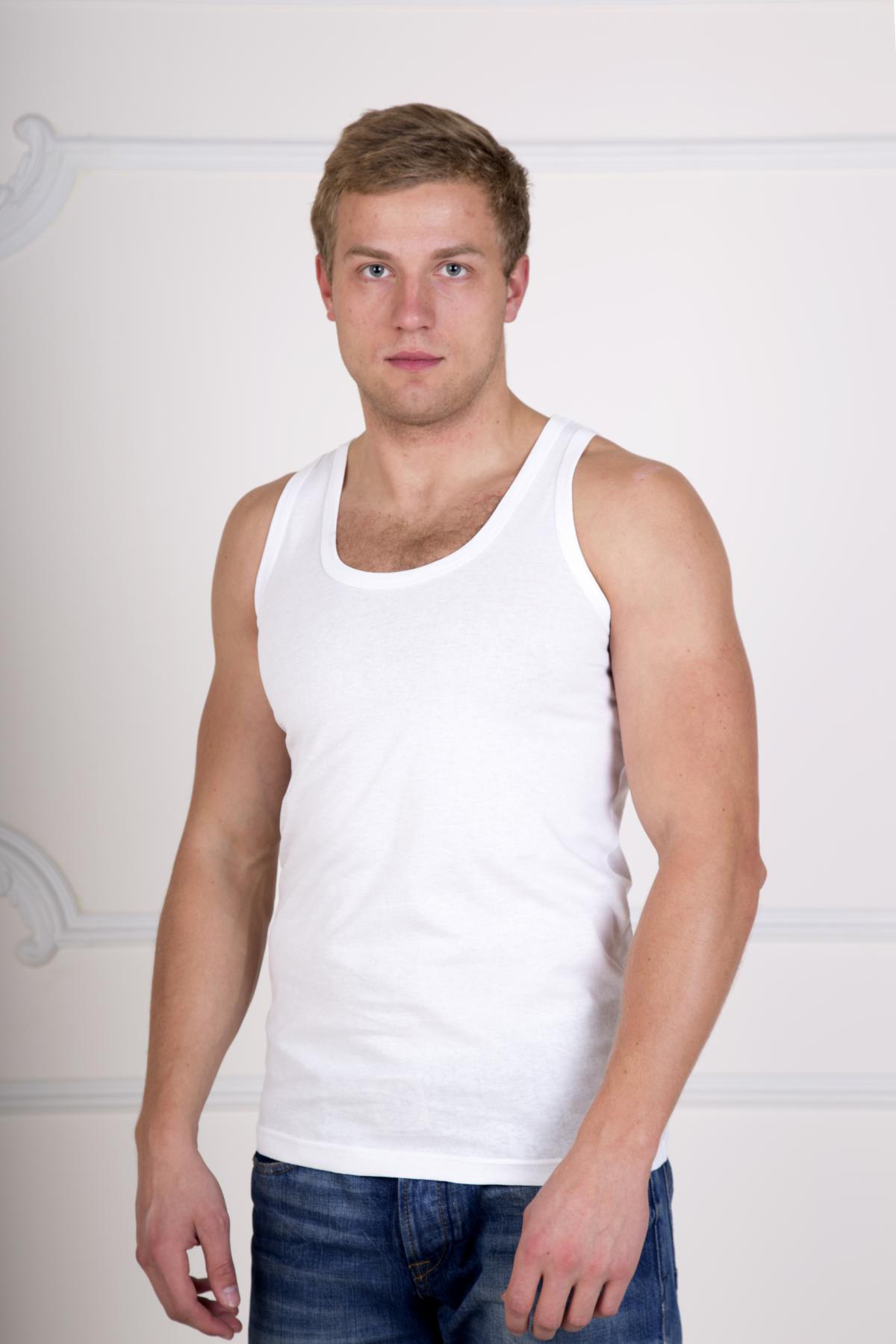 Муж. майка Верн Белый р. 58Майки и футболки<br>Факт. ОГ: 108 см <br>Факт. ОТ: 106 см <br>Факт. ОБ: 108 см <br>Длина по спинке: 79 см<br><br>Тип: Муж. майка<br>Размер: 58<br>Материал: Кулирка
