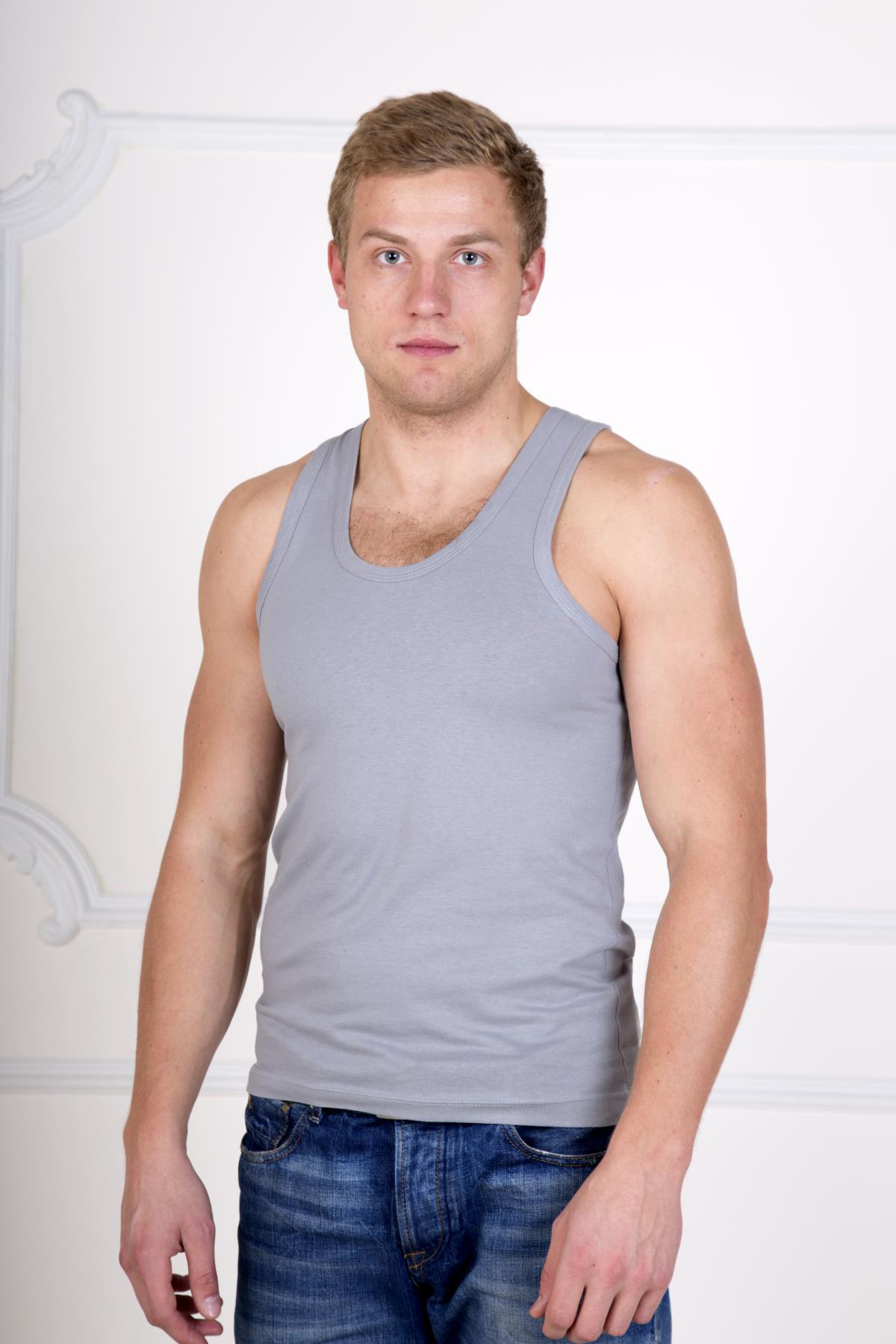 Муж. майка Верн Серый р. 54Майки и футболки<br>Факт. ОГ: 100 см <br>Факт. ОТ: 96 см <br>Факт. ОБ: 100 см <br>Длина по спинке: 77 см<br><br>Тип: Муж. майка<br>Размер: 54<br>Материал: Кулирка