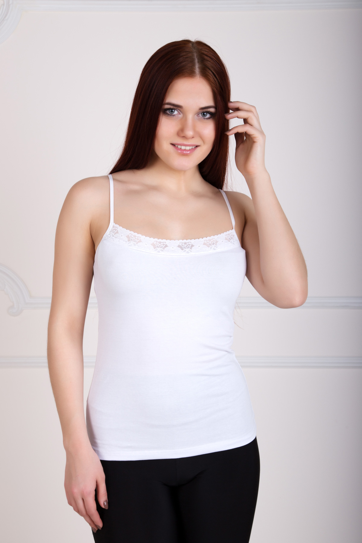 Жен. майка Бекки Белый р. 42Майки и футболки<br>Факт. ОГ: 62 см <br>Факт. ОТ: 68 см <br>Факт. ОБ: 76 см <br>Длина по спинке: 57 см<br><br>Тип: Жен. майка<br>Размер: 42<br>Материал: Фулайкра