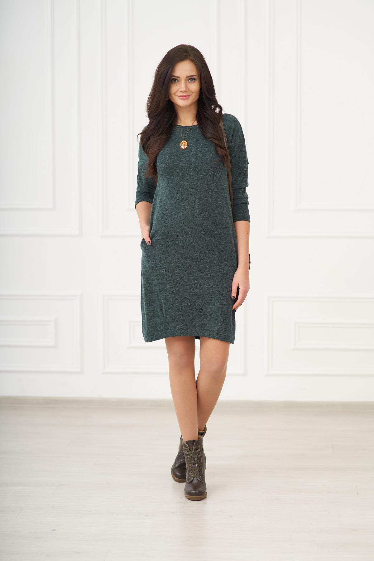 Жен. платье арт. 19-0075 Изумрудный р. 50Платья<br>Факт. ОГ: 102 см <br>Факт. ОТ: 102 см <br>Факт. ОБ: 106 см <br>Длина по спинке: 98 см<br><br>Тип: Жен. платье<br>Размер: 50<br>Материал: Ангора