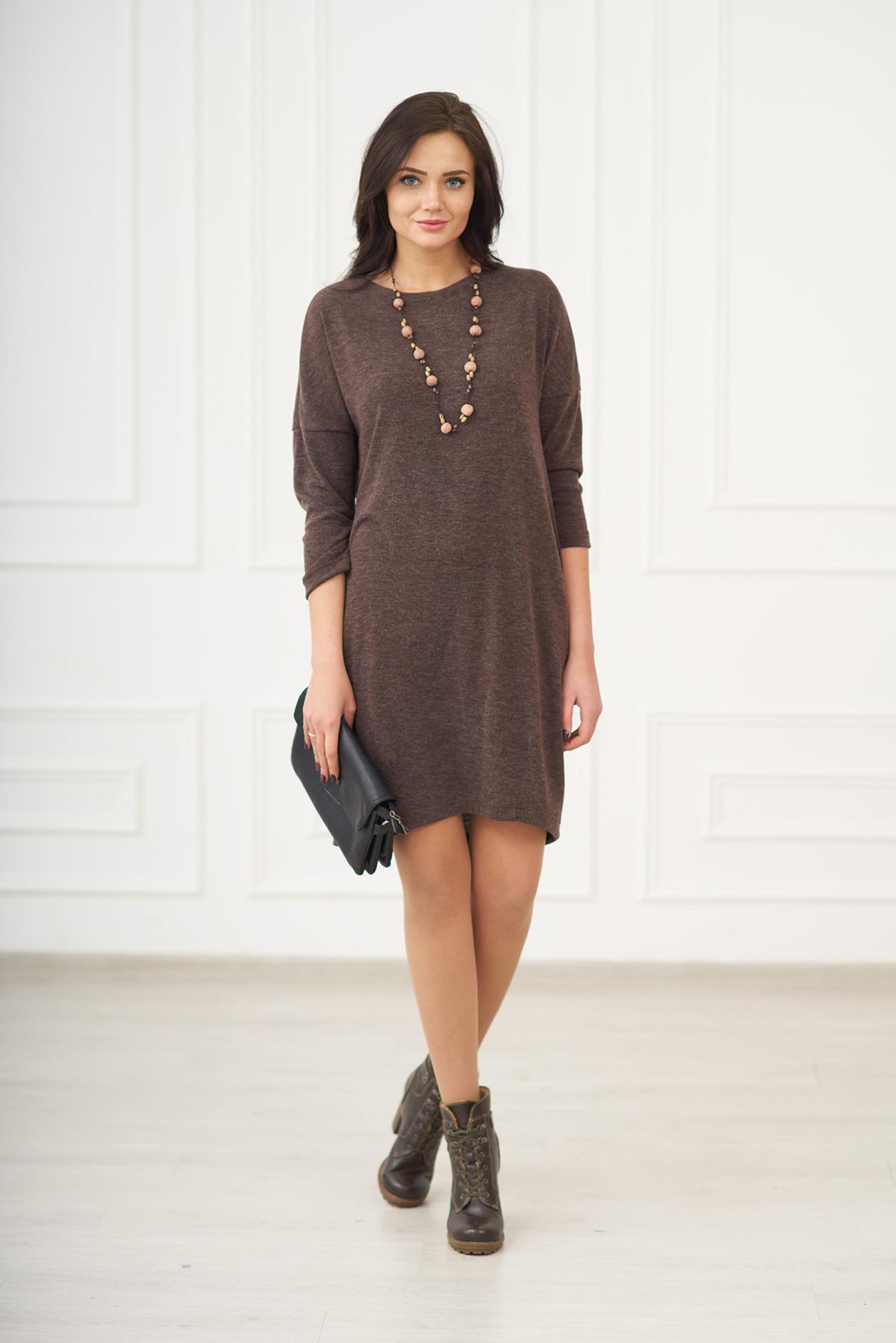 Жен. платье арт. 19-0075 Шоколадный р. 50Платья<br>Факт. ОГ: 102 см <br>Факт. ОТ: 102 см <br>Факт. ОБ: 106 см <br>Длина по спинке: 98 см<br><br>Тип: Жен. платье<br>Размер: 50<br>Материал: Ангора