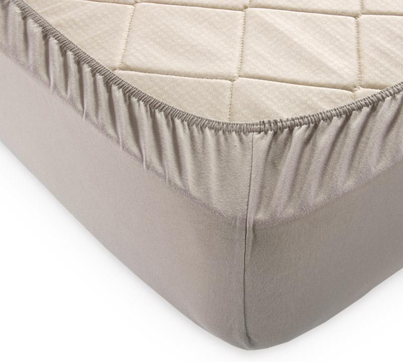 Простыня на резинке Какао р. 200х200Простыни<br>Плотность ткани: 120 г/кв. м <br>Высота матраса: 20 см<br><br>Тип: Простыня на резинке<br>Размер: 200х200<br>Материал: Кулирка