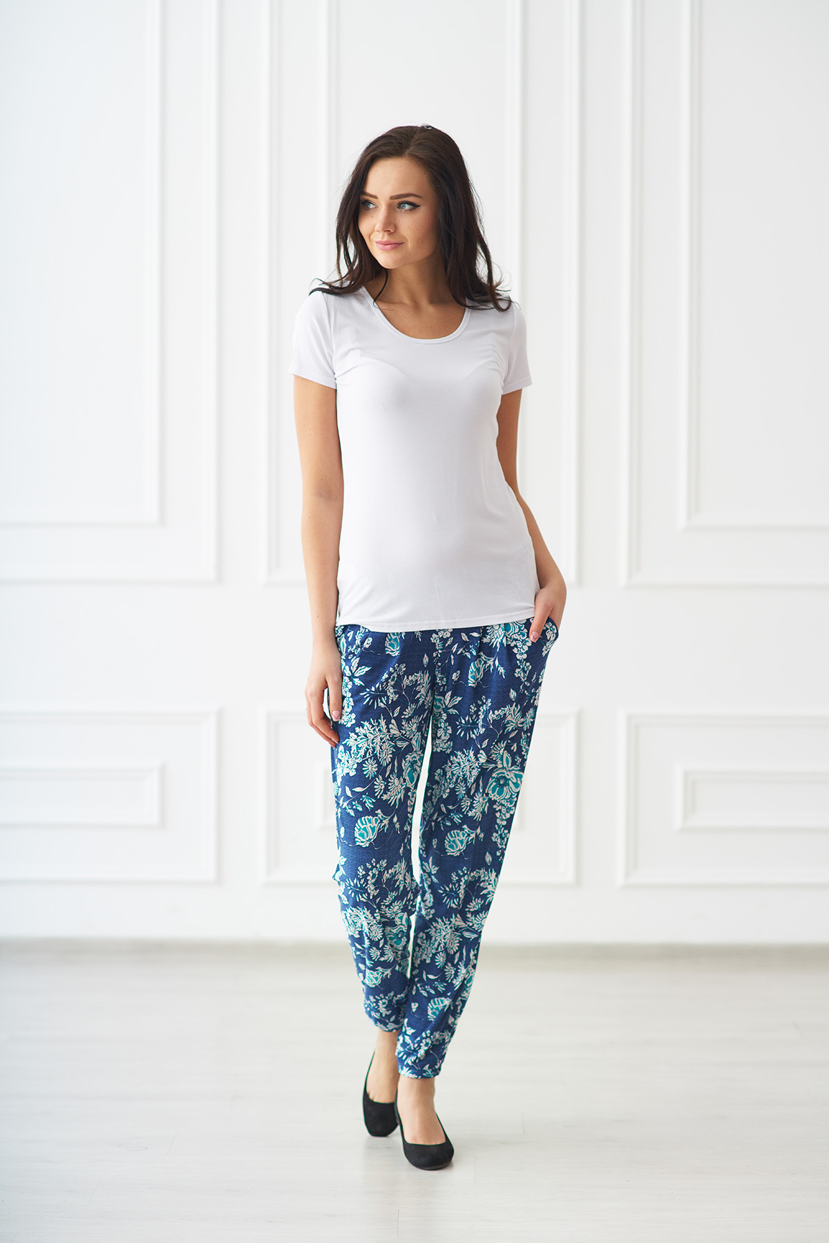 Жен. брюки арт. 19-0092 р. 50Брюки<br><br><br>Тип: Жен. брюки<br>Размер: 50<br>Материал: Масло