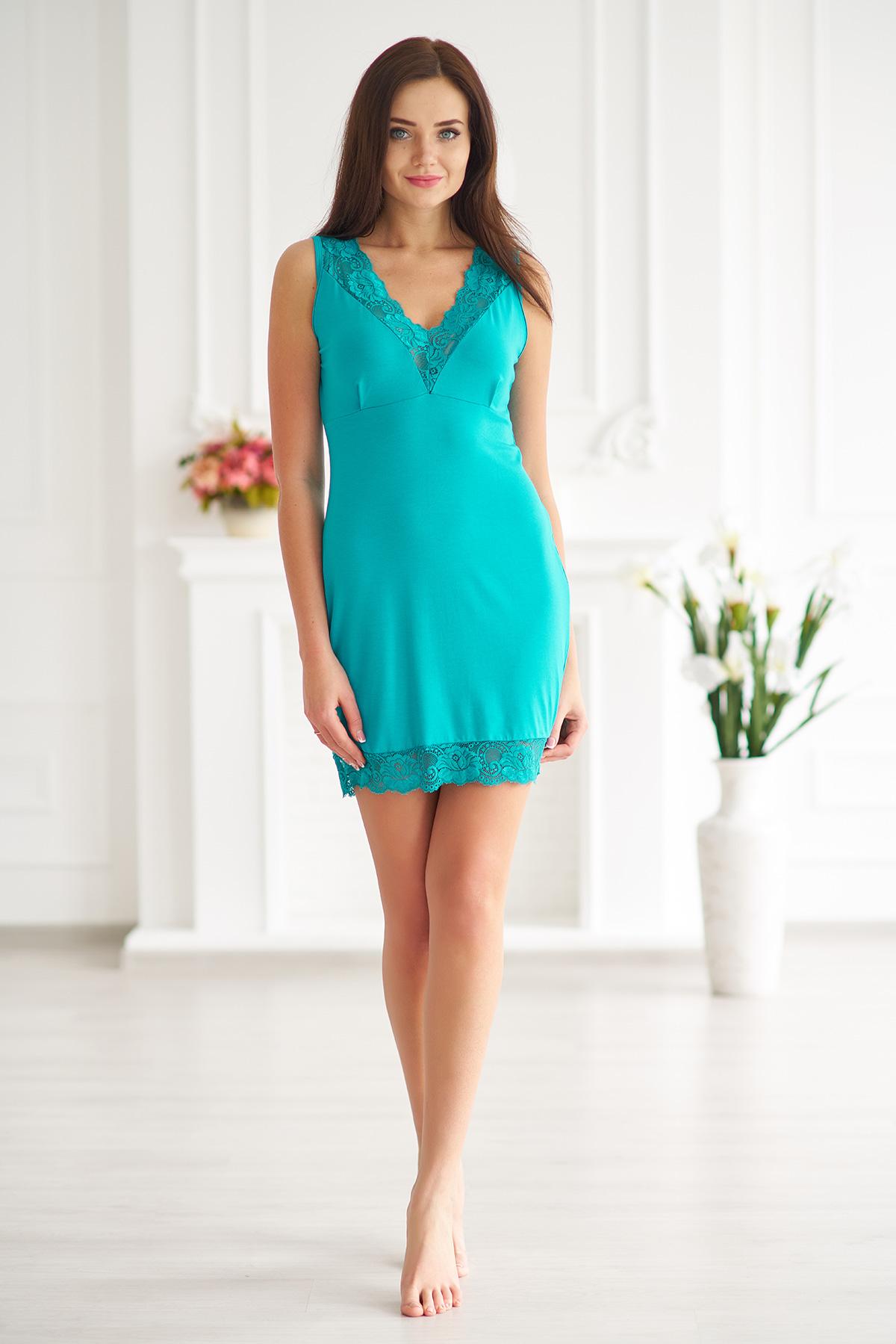 Жен. сорочка арт. 19-0006 Изумрудный р. 44Ночные сорочки<br>Факт. ОГ: 70 см <br>Факт. ОТ: 78 см <br>Факт. ОБ: 90 см <br>Длина по спинке: 76 см<br><br>Тип: Жен. сорочка<br>Размер: 44<br>Материал: Вискоза