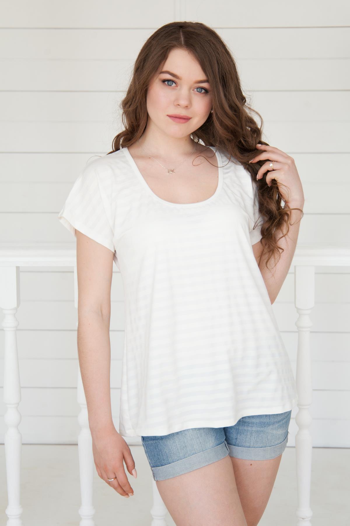 Жен. футболка арт. 19-0161 Молочный р. 52Майки и футболки<br>Факт. ОГ: 112 см <br>Факт. ОТ: 112 см <br>Факт. ОБ: 120 см <br>Длина по спинке: 68 см<br><br>Тип: Жен. футболка<br>Размер: 52<br>Материал: Вискоза