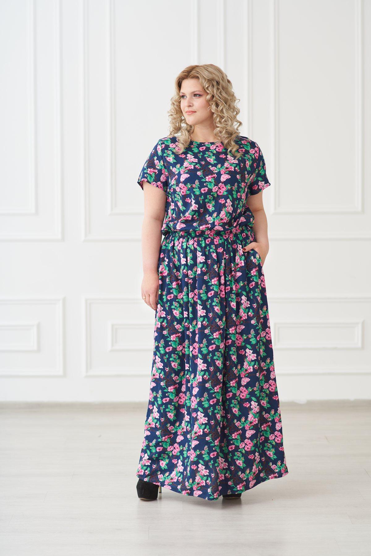Жен. платье арт. 19-0140 Розочки р. 52Платья<br>Факт. ОГ: 114 см <br>Факт. ОТ: 82 см <br>Факт. ОБ: 136 см <br>Длина по спинке: 146 см<br><br>Тип: Жен. платье<br>Размер: 52<br>Материал: Штапель